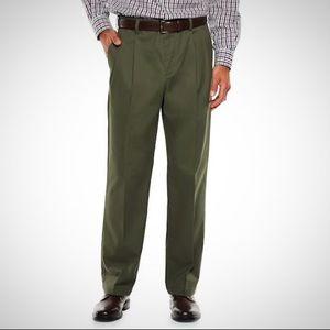 Claiborne Men's Olive 32/30 Pleated Dress Pants